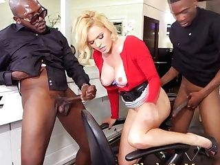 Bigtitted Classy Cougar Fucks Black Guys In Mmf