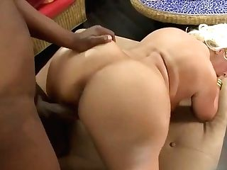 Blondie With Big Bum-fucks Black Weenie