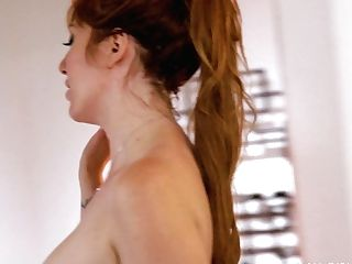 Nude Masseuses Sarah Vandella And Lauren Phillips Fondle Sexy Customer Luna Lain