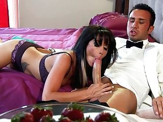 Sperm Greedy Sweetheart Gives Her Paramour A Nice Deep Throat