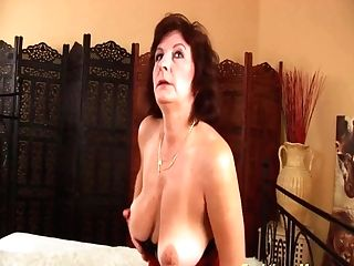 Facial Cumshot On Chesty Hairy Mom