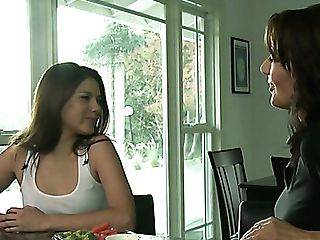 Fairly Buxom Bombshell Zoey Holloway Takes Chance To Work On Moist Snatch
